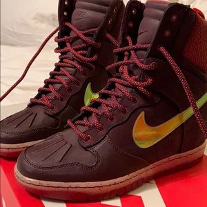 Women's Dunk Ski High Sneakers